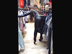 Julie skyhigh shopping in leather and high heels boots.mp4