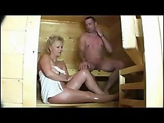 mature lady in der sauna